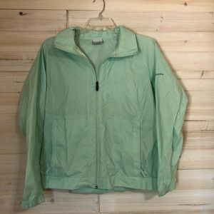 L / XL Columbia Women's Rain jacket